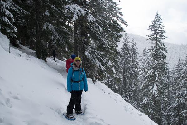Mount Hood: Twin Lakes snowshoe
