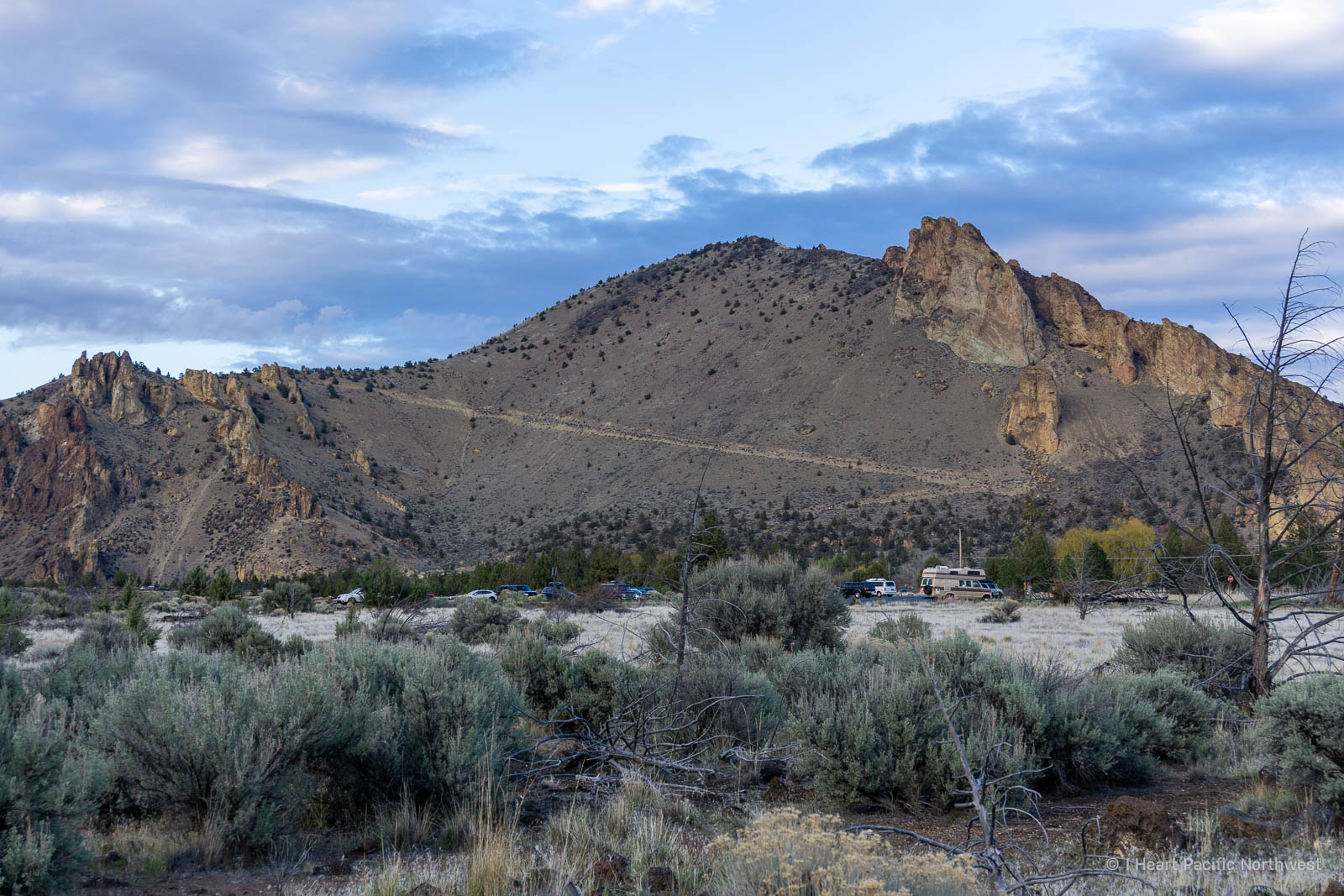 Smith Rock State Park Summit Trail loop hike