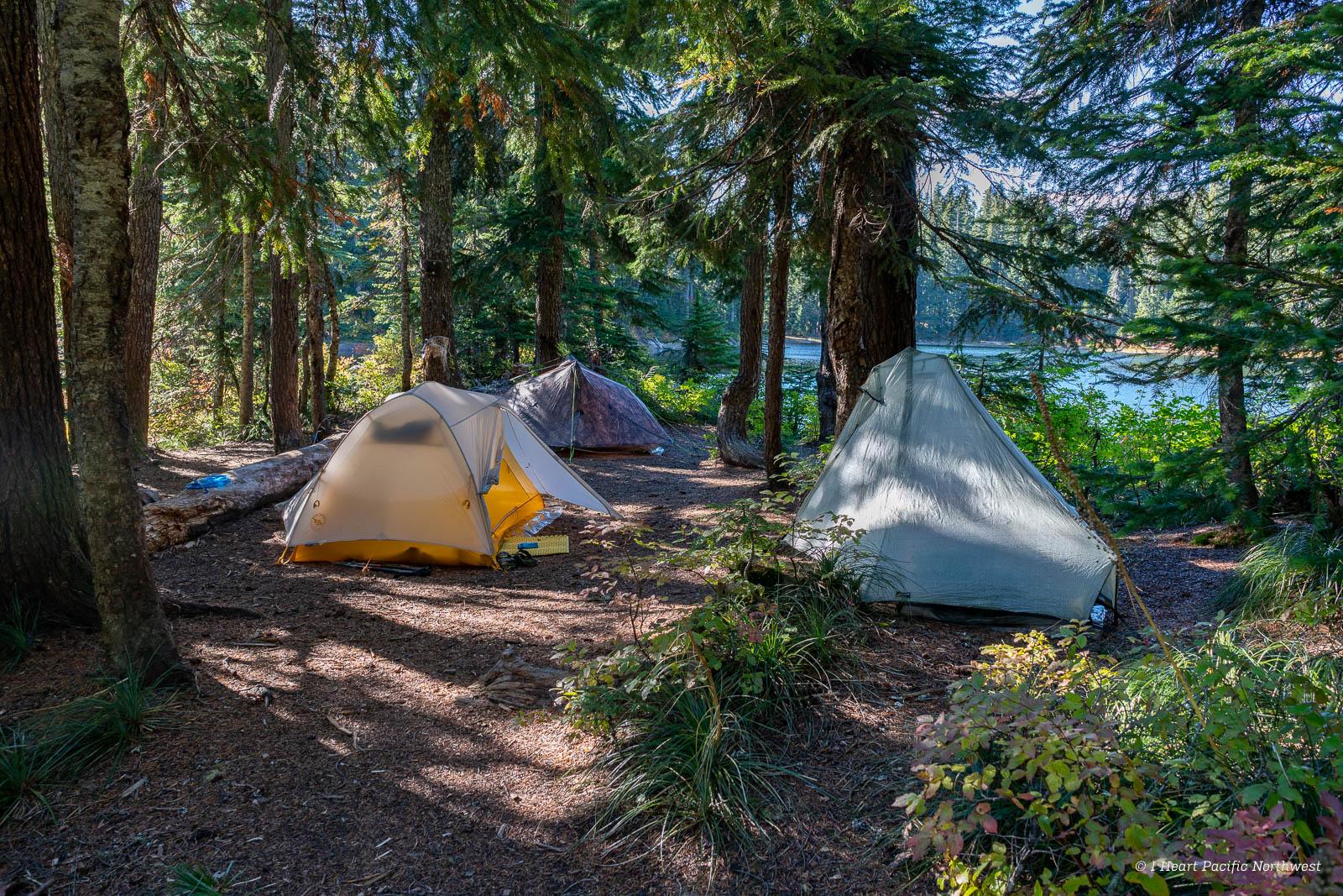 backpacking - Indian Heaven Wilderness - East Crater Trail, Bear Lake, Lemei Rock